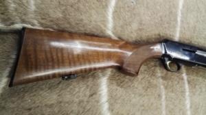 Browning Gold Hunter 12/76-os Félautómata Sörétes Vadászfegyver