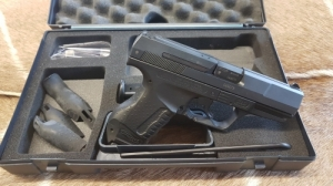 Walther P 99  9mm Luger Maroklőfegyver