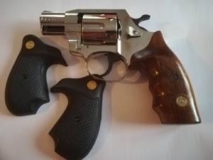 Alfa G020 Gumiképes gáz-riasztó pisztoly