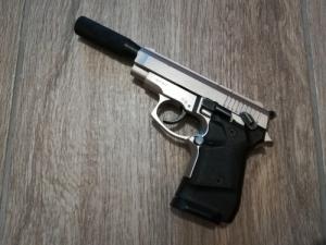 Zoraki 914 gumilövedékes gáz riasztó pisztoly