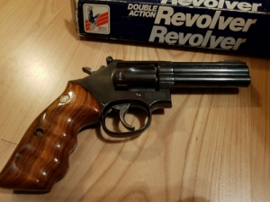 Smith&wesson 17-6