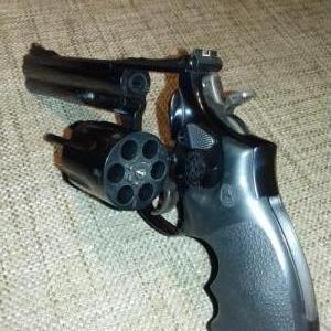 Smith & Wesson revolver 357 / 38 Spec