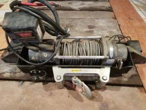 M8000 csörlő