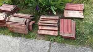 Díszkút kerti kút faszerkezet fából tetőcserép