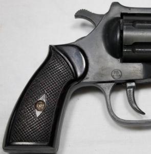 ME 80 tipusú német  6 mm-es gáz, riasztó rakétázó revolver