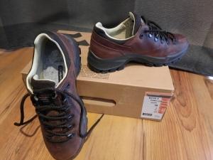 Női bakancs és cipők