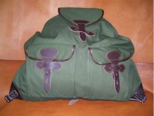Vadász hátizsák zippzáros vérzsákkal