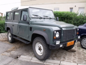 LAND ROVER DEFENDER 110 SW 2.4 D