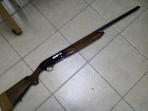 Félautomata sörétes vadászpuska