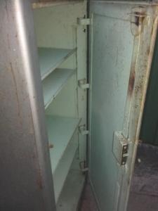 Acél szekrény