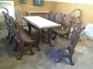 Dió tömör fa pad,asztal,szék