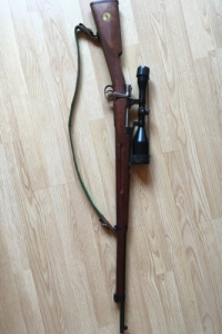 Golyós lőfegyver Swarovski 8x56 ékes távcsővel szerelve