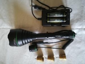 Vadászlámpa és fényvető szett/ Optic Fire XC-67