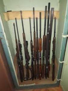 Eladó fegyverek