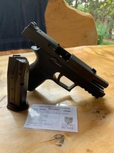 Sig-Sauer P250 9mm compakt