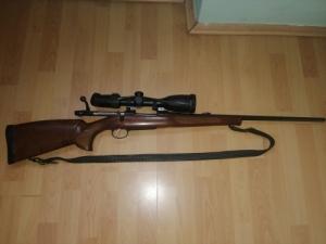 CZ. 550 golyós puska céltávcsővel