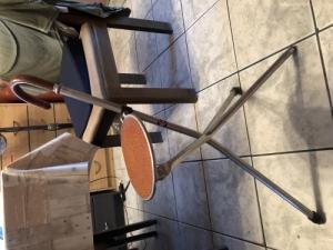 Háromlábú vadász szék
